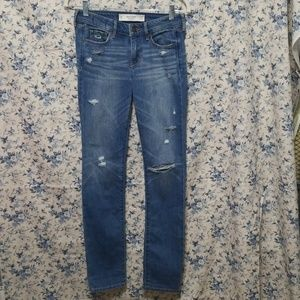 Abercrombie & Fitch distressed Jean's Like New